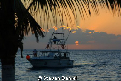 Paradise Divers of Cozumel Departing for a Night dive by Steven Daniel